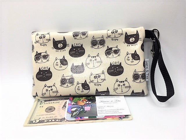 Medium Wristlet in So Nice Cats