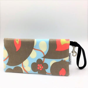 Large Wristlet in Morning Glory
