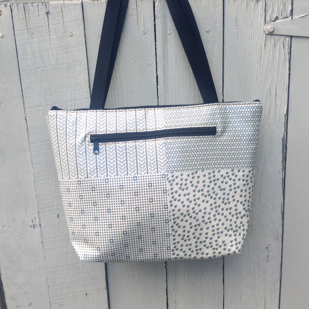 Lydia Tote in Gray Raindrops