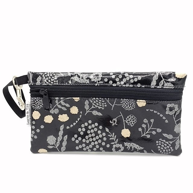 Large Wristlet in Silver Fox