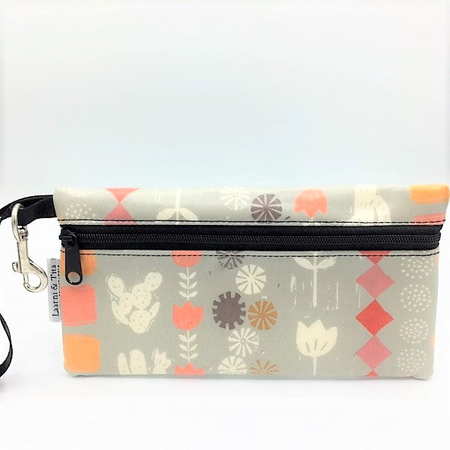 Large Wristlet in Southwest Print