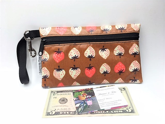 Medium Wristlet in Strawberries