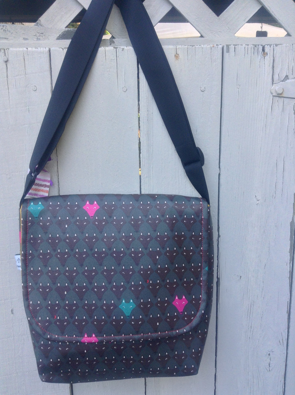 Tall Messenger Bag in Pink fox