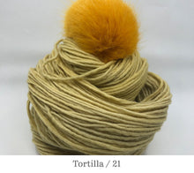 Load image into Gallery viewer, Amazonian Antler Hat kit in Tortilla / 21