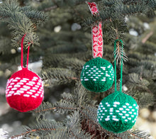 Load image into Gallery viewer, Christmas ornament balls made with River City Yarns Epic Yarn