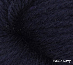 A close up of Estelle Chunky in 63325 Navy
