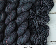 Load image into Gallery viewer, A close up of Julie Asselin Leizu DK in Ardoise