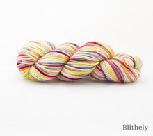 Load image into Gallery viewer, A skein of Rhichard Devrieze Fynn in Blithely