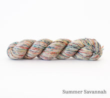 Load image into Gallery viewer, A skein of Rhichard Devrieze Peppino in Summer Savannah