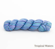Load image into Gallery viewer, A skein of Rhichard Devrieze Peppino in Tropical Waters