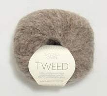 Load image into Gallery viewer, A ball of Sandnes Garn Tweed