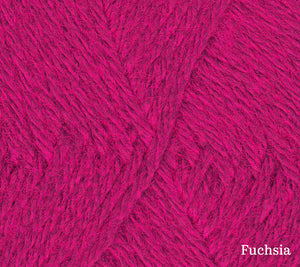 A close up of Teenie Weenie Wool in Fuchsia