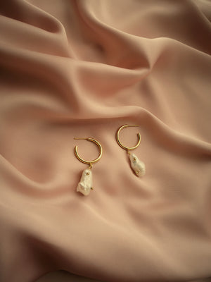 CATALINA NATURAL PEARLS EARRINGS