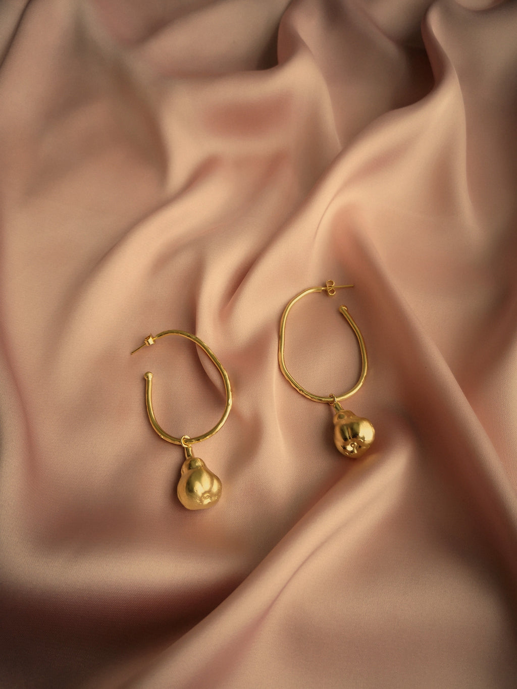 JUDITH HOOP EARRINGS