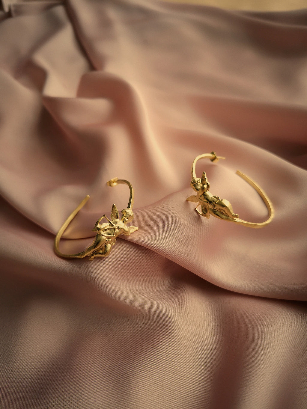 ARTEMISIA HOOP EARRINGS