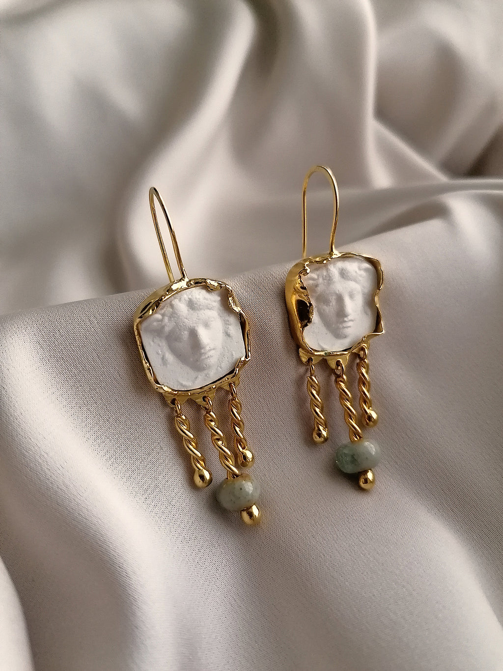 WHITE MEDUSA EARRINGS