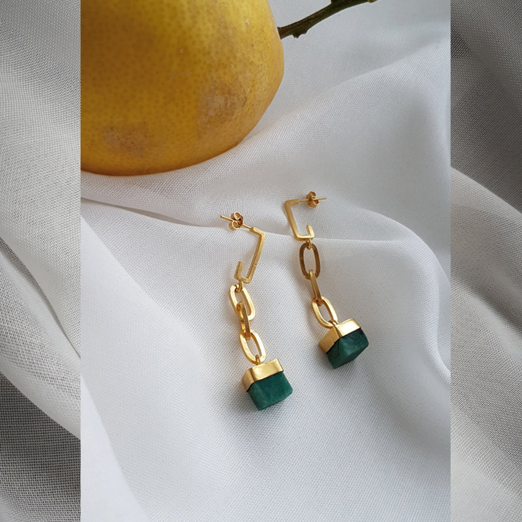 EMERALD AND GOLD STATEMENT EARRINGS