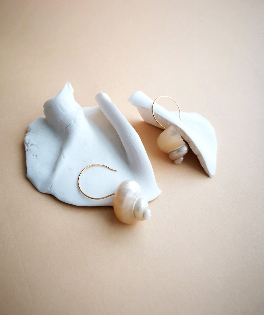 TURBO SHELLS EARRINGS