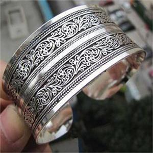 Silver Plated Carved Bangle - Trendy Bohemian
