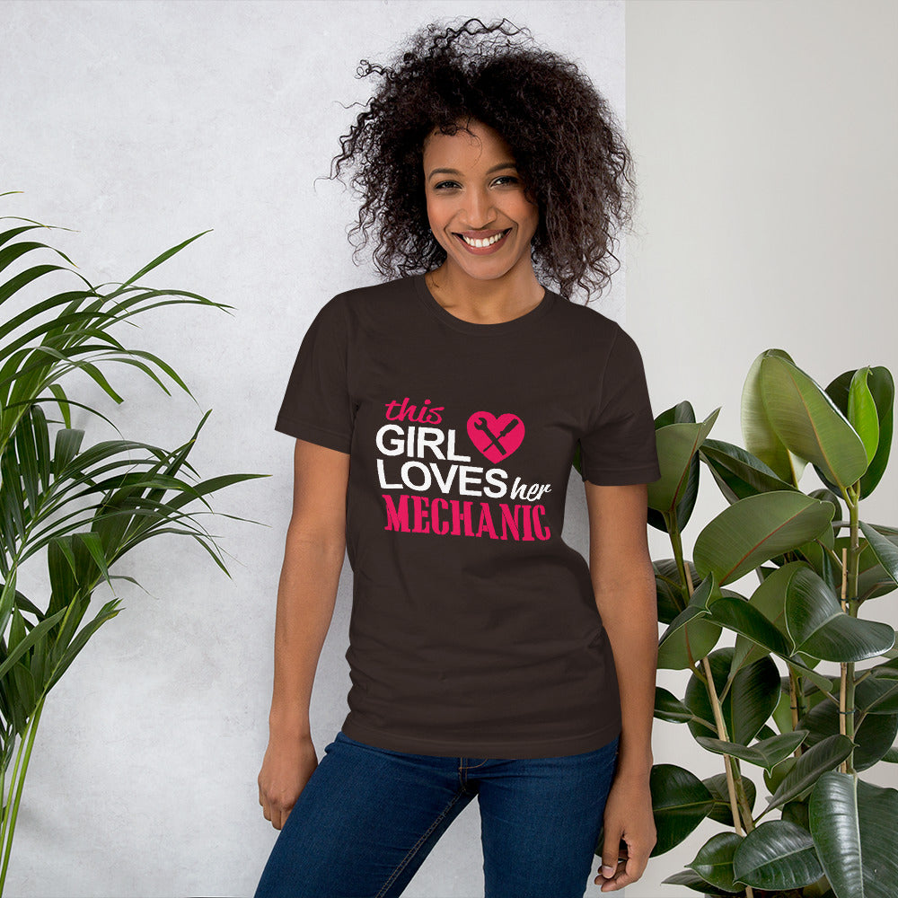 This Girl Loves her Mechanic - Profession T-Shirt