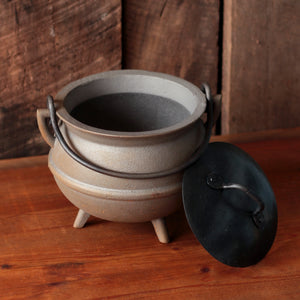 2 Quart Cast Iron Pot