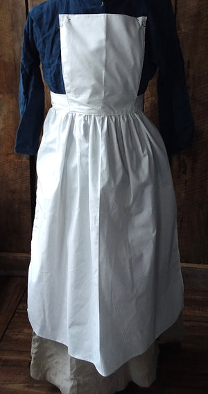 Pinner Apron in White Muslin