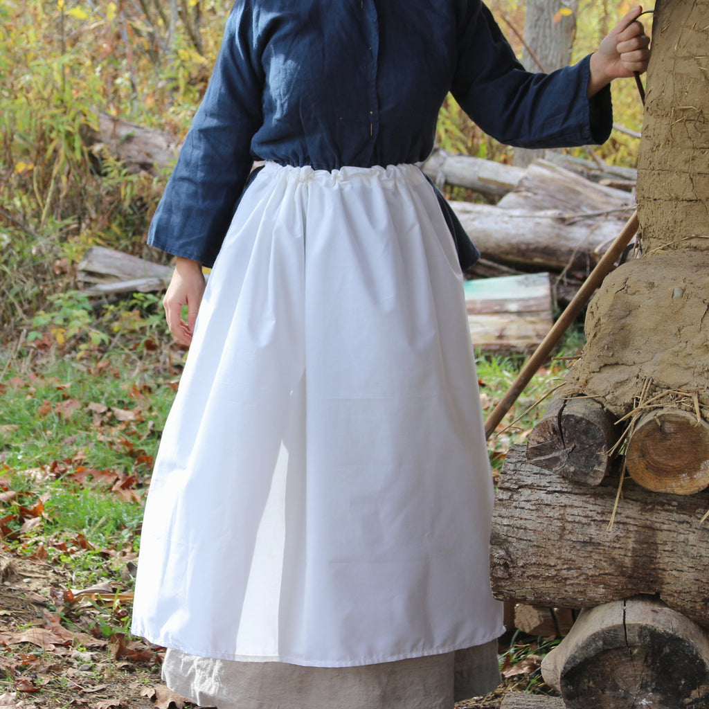 Drawstring Apron in White Muslin