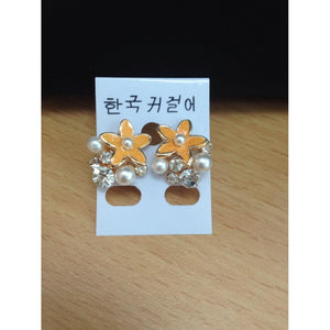 SE2116 - Stylish Flower Pearl Earrings