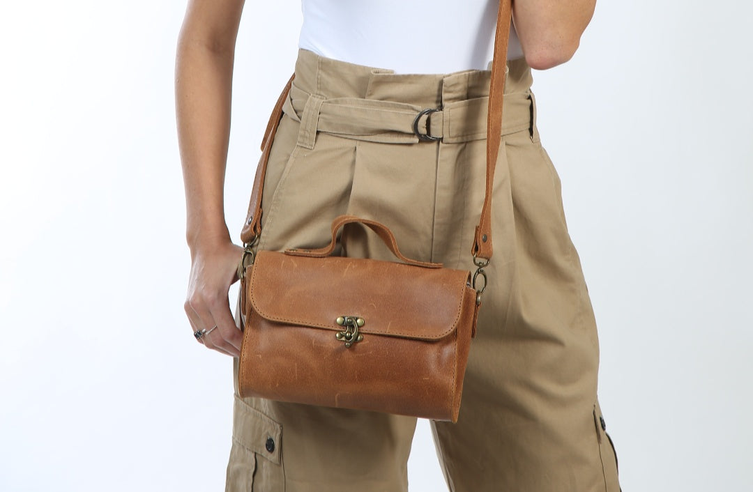 Evening Brown Leather bag - Nymphaea design