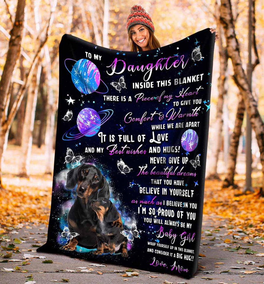 Dachshund To My Daughter Blanket, Gift For Daughter, Inside This Blanket There Is A Piece Of My Heart Fleece Blanket - ATMTEE