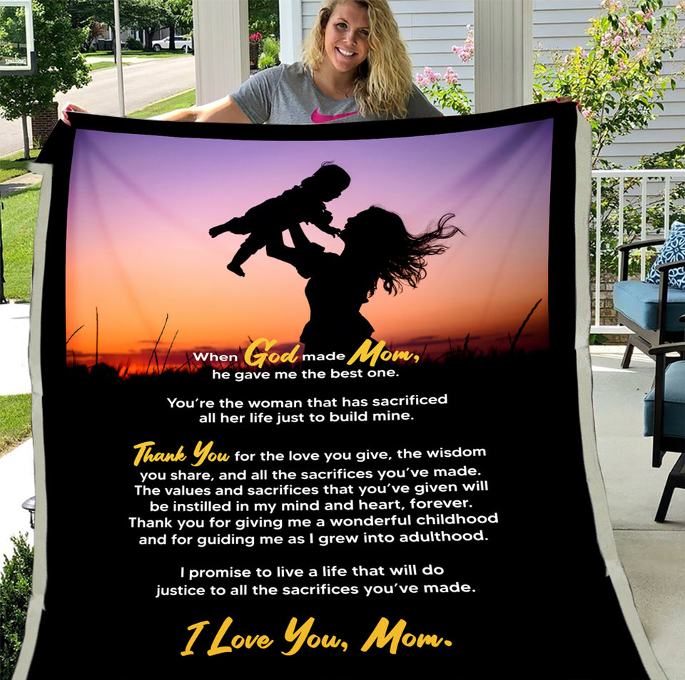 Mom Blanket, Mother's Day Gift Ideas, When God Made Mom He Gave Me The Best One, Gift For Mom Fleece Blanket - ATMTEE