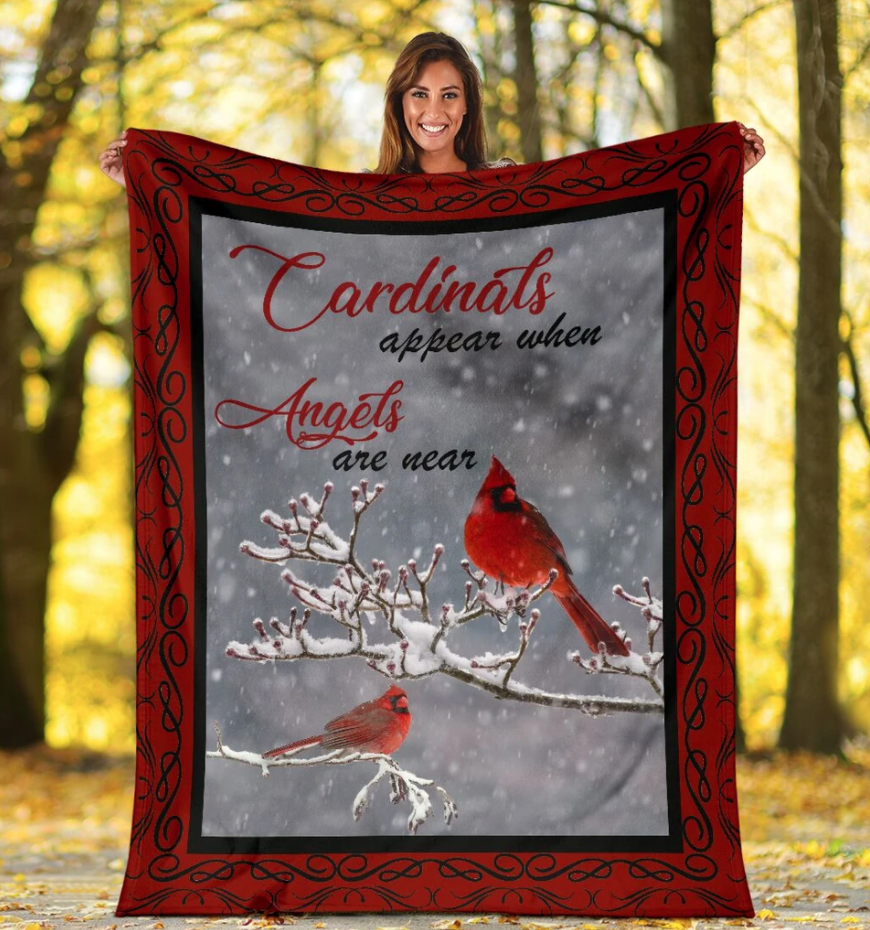 Red Cardinal Bird Appear When Angels Are Near Fleece Blanket - ATMTEE