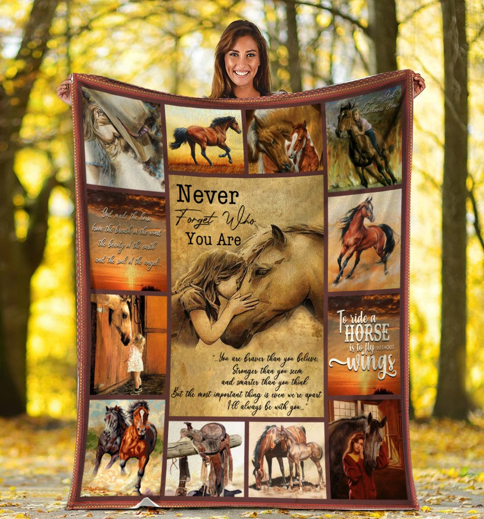 To My Daughter Never Forget Who You Are Little Girl Kissing Horse Sherpa Blanket - ATMTEE