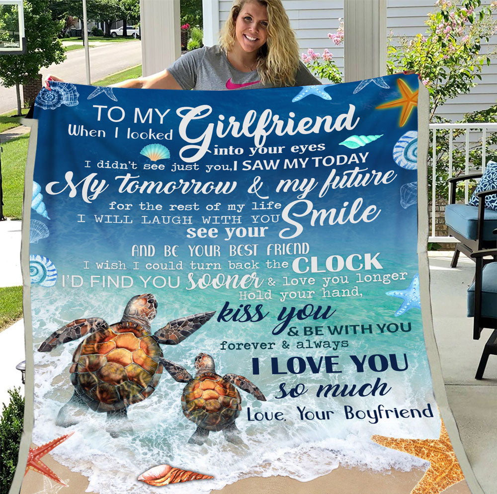 To My Girlfriend When I Looked Into Your Eyes I Didn't See Just You Turtle Fleece Blanket - ATMTEE