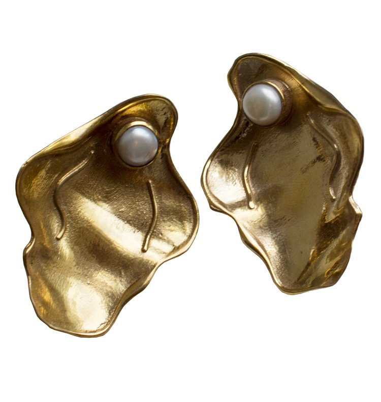 CLAM EARRINGS GOLD.