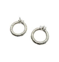 Load image into Gallery viewer, ACE EARRINGS SILVER.