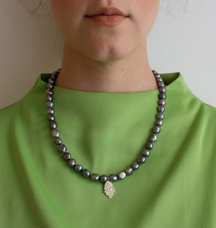 MOTHER OF PEARL NECKLACE - BLUE.