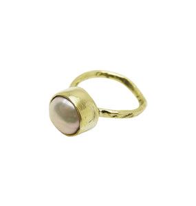 PEARL HEART RING - BRASS.