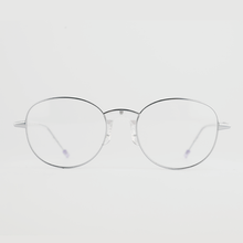 Load image into Gallery viewer, silver colour titanium round optical frame with clear acetate temples front