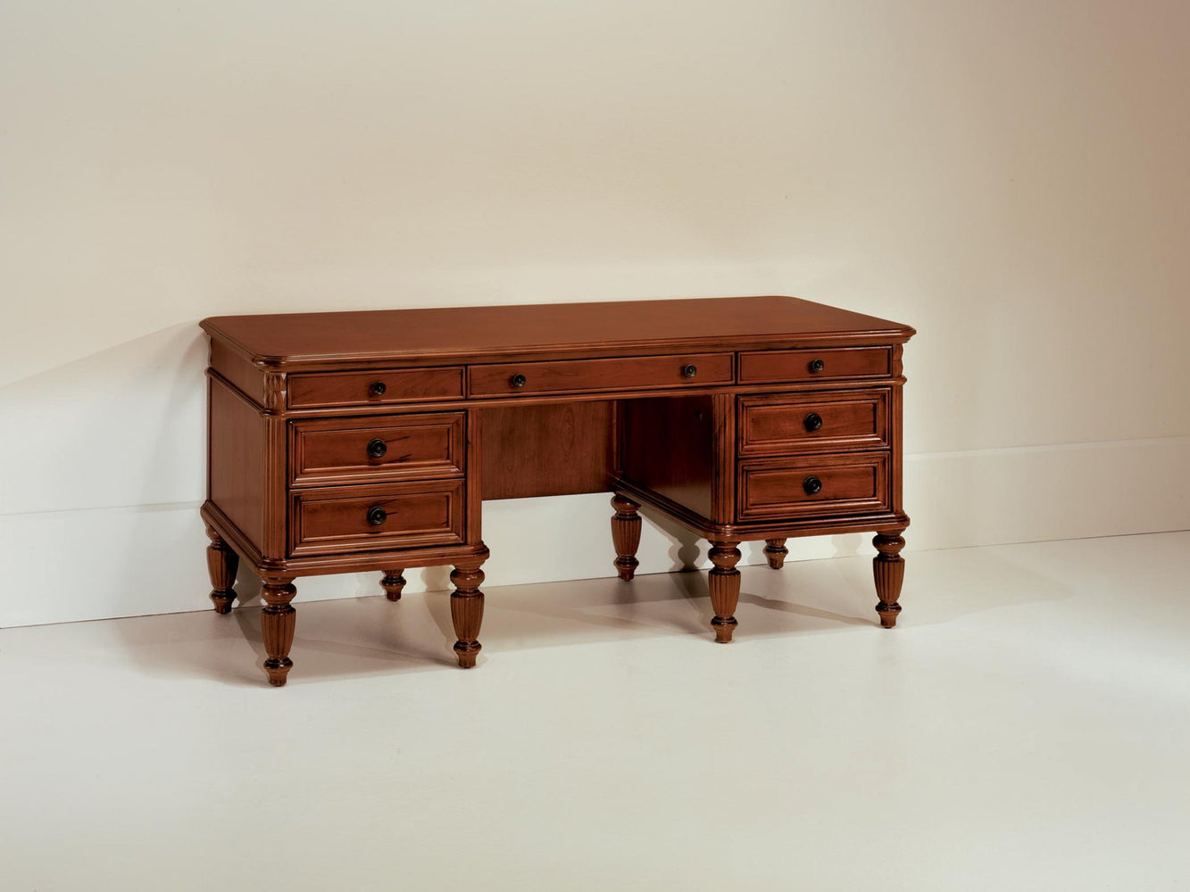"Executive Desk 68""W 