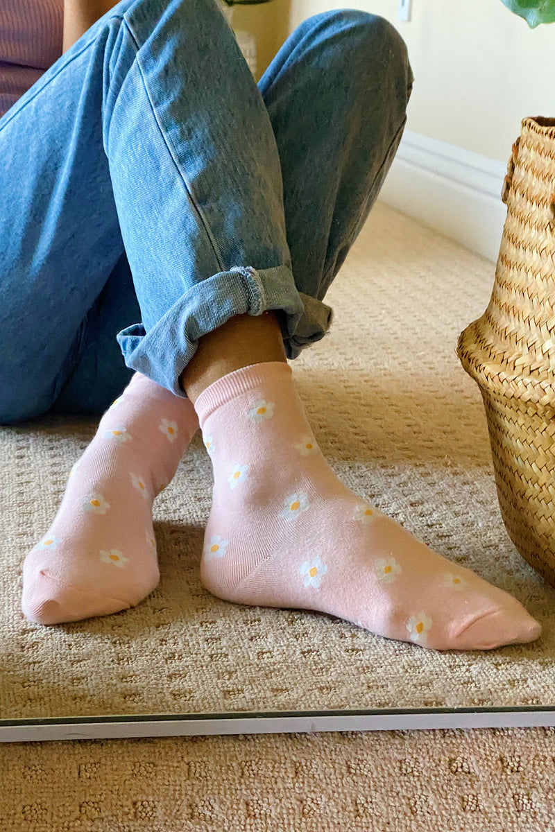 Spring In Your Step Pink Flower Socks