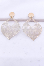 Load image into Gallery viewer, Filigree Post Earrings