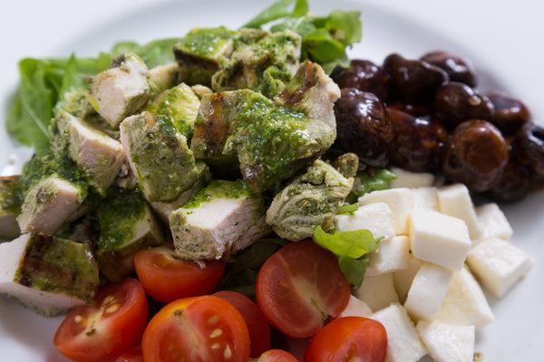 .Chicken Caprese Salad Shaker