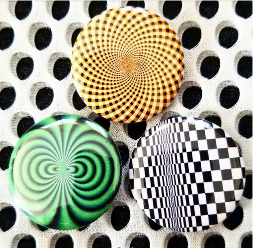 1.25 inch set of 3 Optical Illusion pins