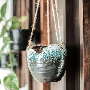 Glazed hanging plant pot for trailing plants