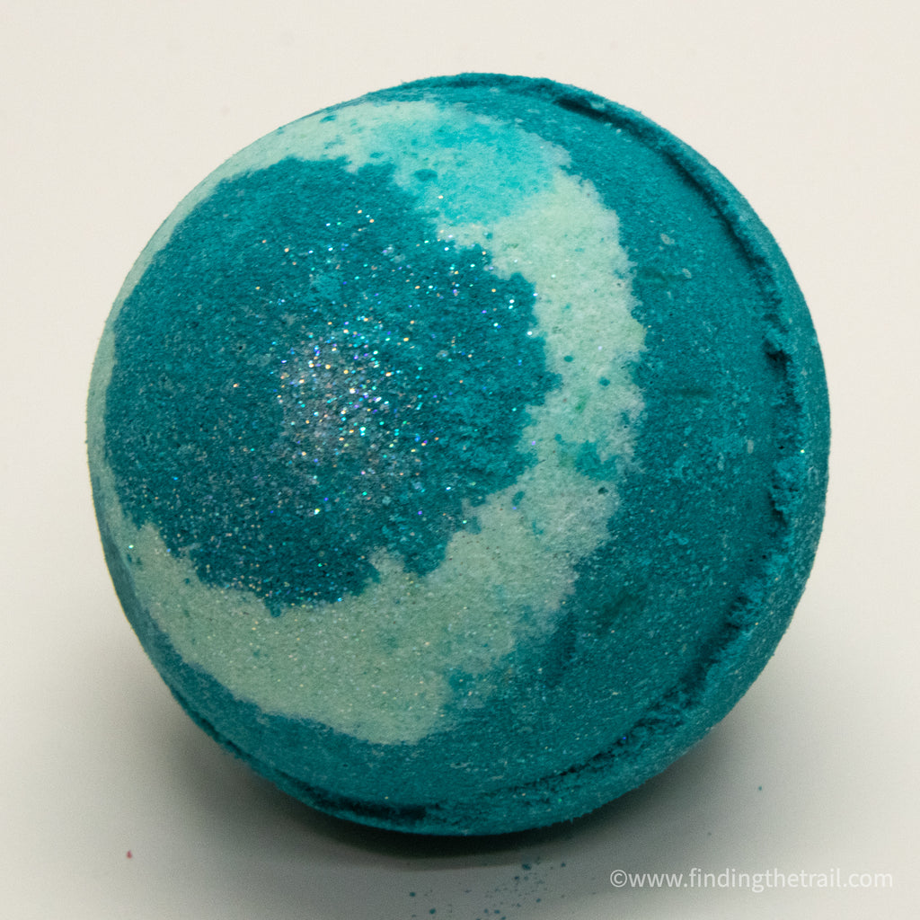Mistletoe Bath Bomb with Shea Butter