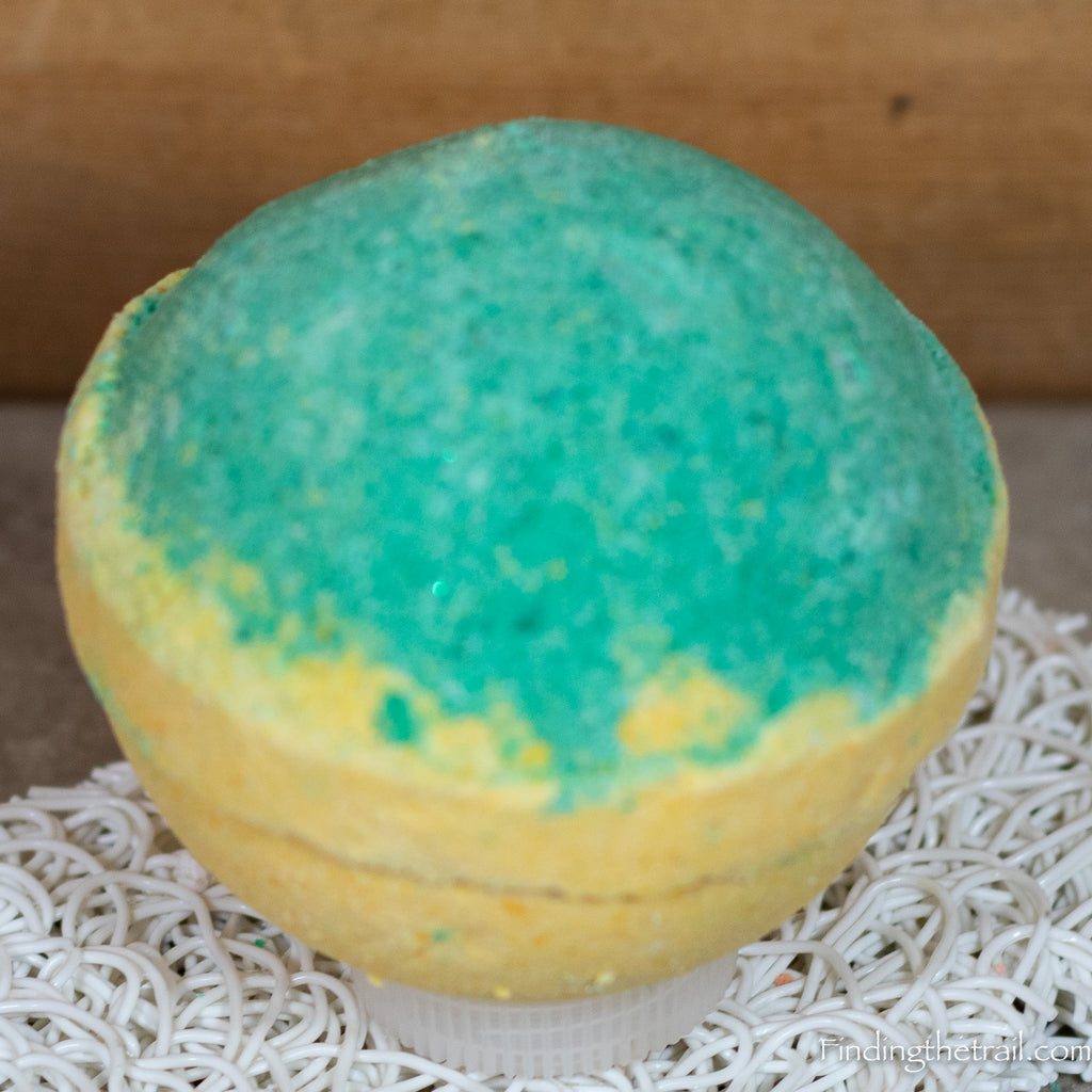 Tangerine Grapefruit Bath Bomb with Shea Butter