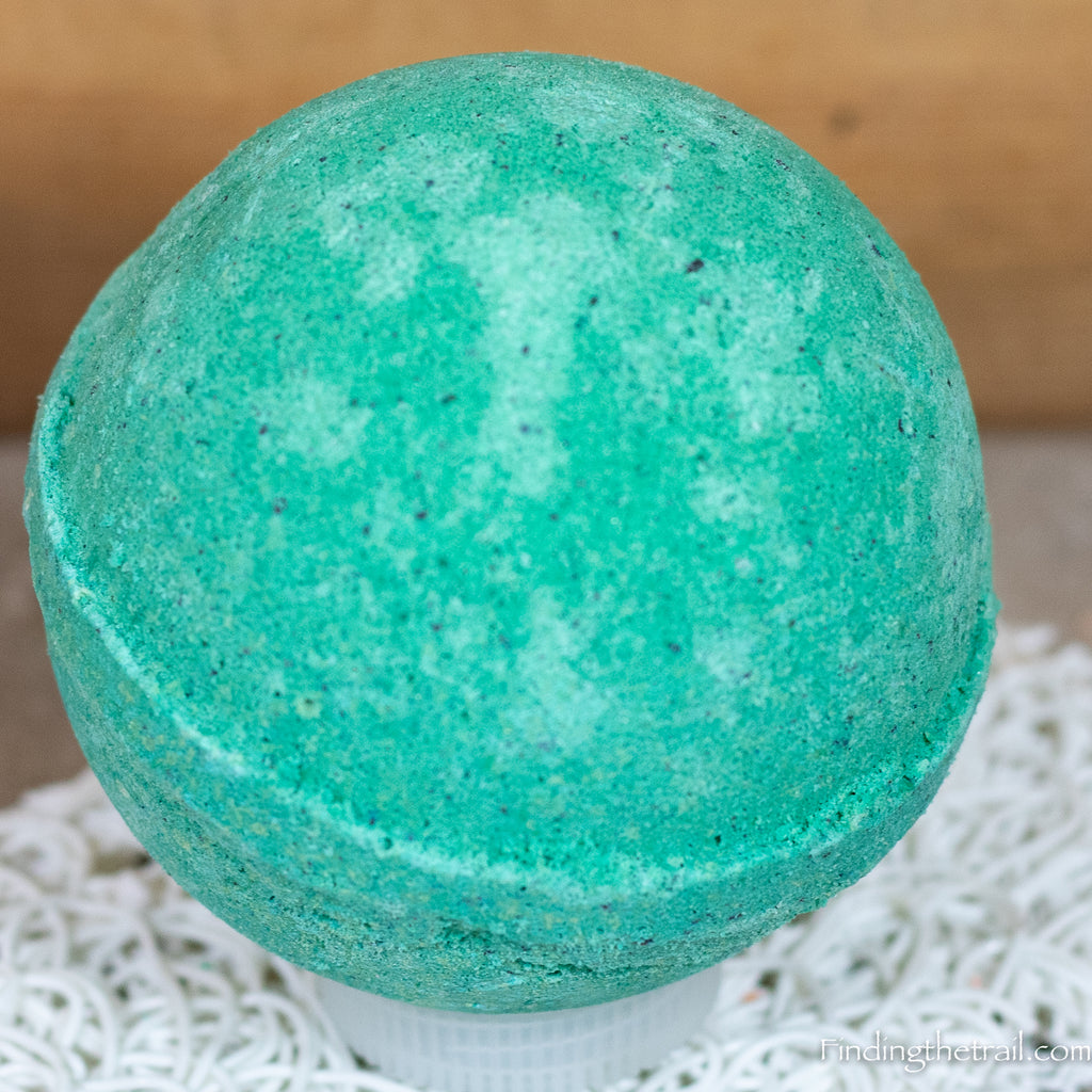 Wakame Sweet Greens Bath Bomb with Shea Butter