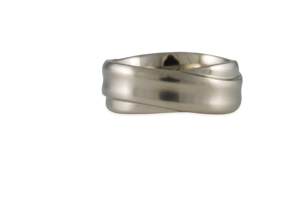Matsu - Small Crossroads Band in 14K White Gold