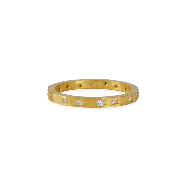 ANNIE FENSTERSTOCK - Hammered Band With Diamonds
